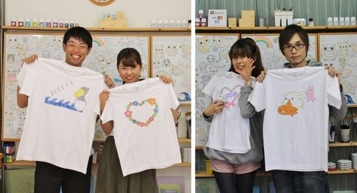カップルが作った手描きTシャツ