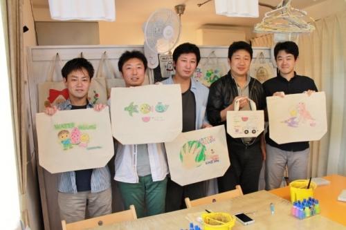 男子会で作った手描きトートバッグ