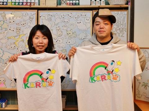 カップルでお揃い風手描きTシャツ