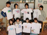 グループで作った手描きTシャツ