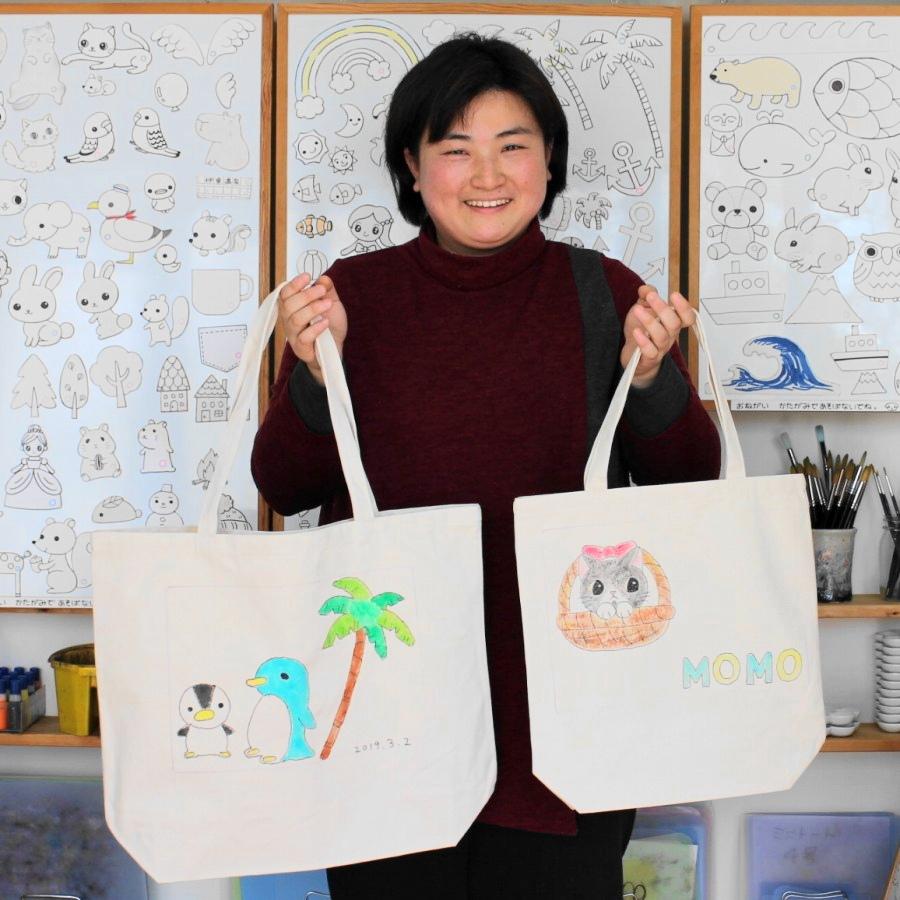 ペンギンとネコの手描きトートバッグ