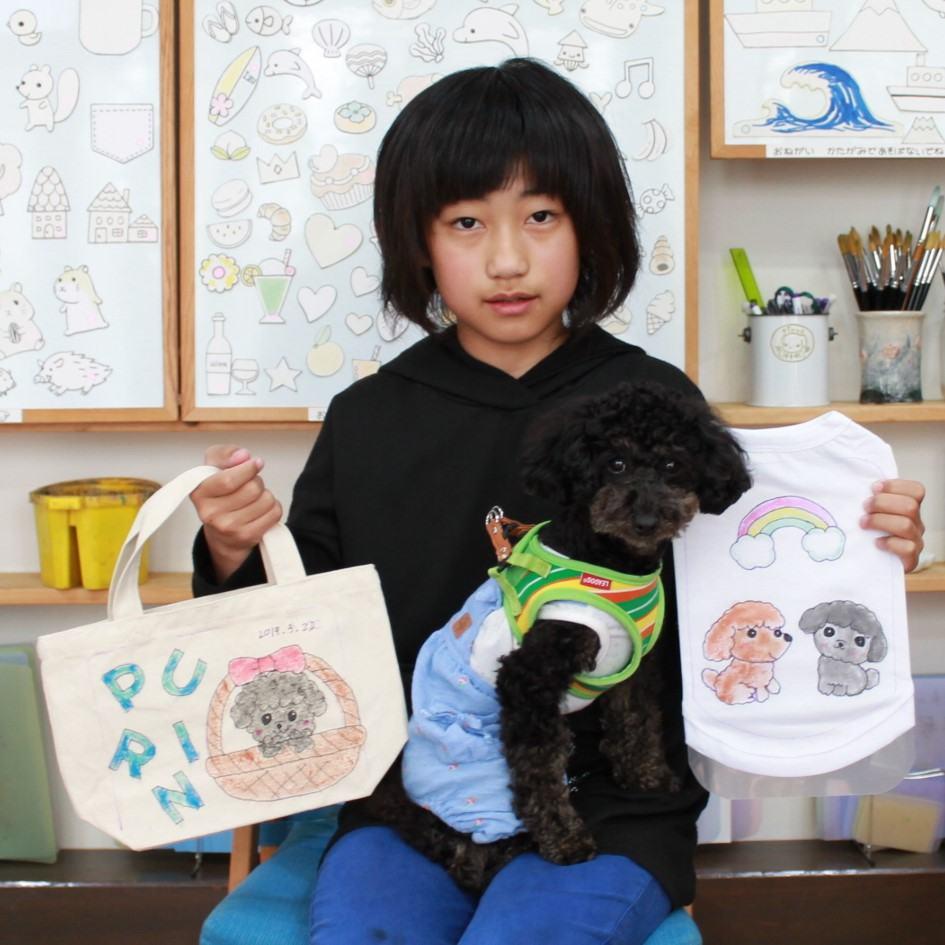 女の子が作ったトイプードルの手描きワンコTシャツと手描きトートバッグ