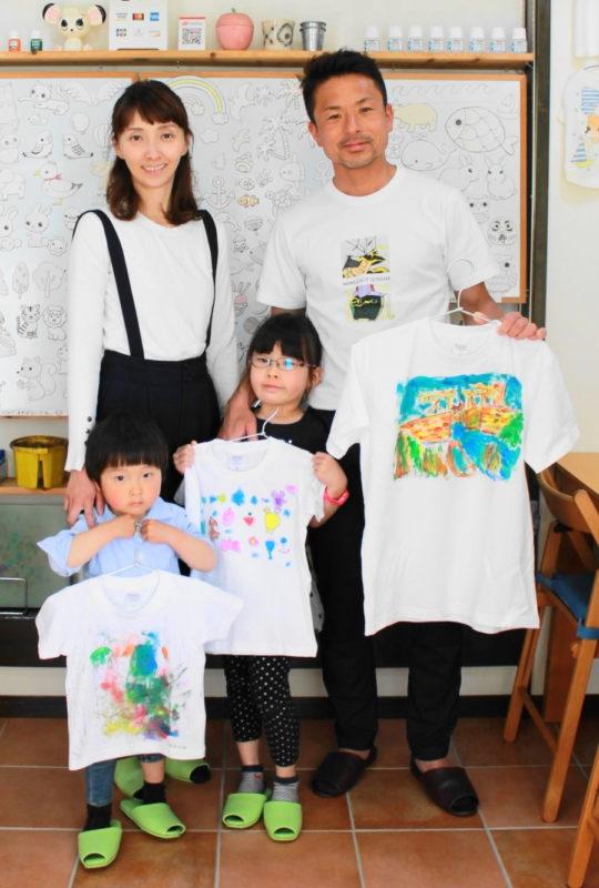 家族で作ったアートな手描きTシャツ