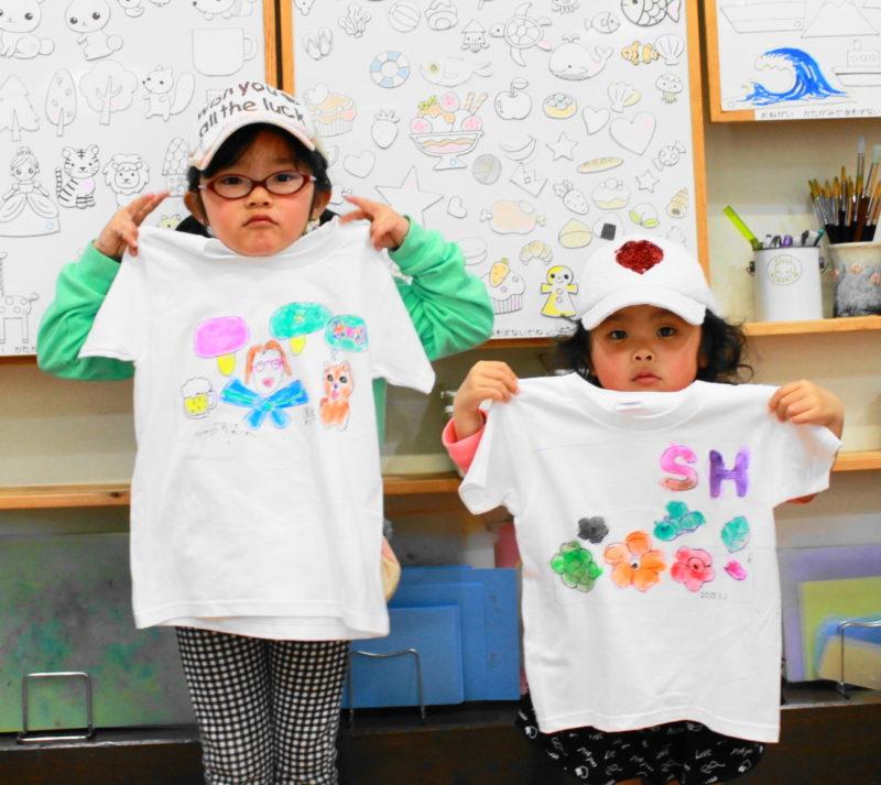 女の子が作った手描きTシャツ