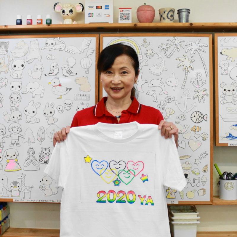 女性が作った手描きTシャツ