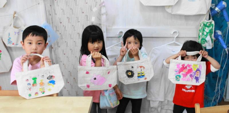 子供たちが作った手描きトートバッグ