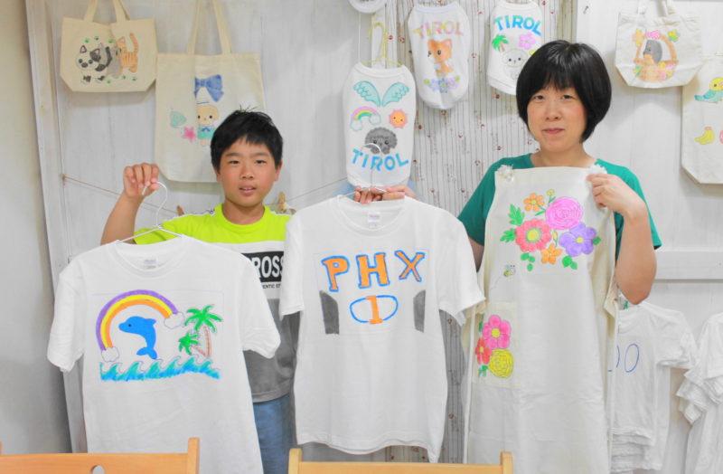 家族で作ったカラフルな手描きTシャツたち