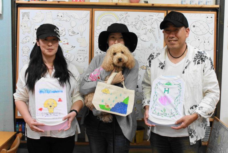 家族で作ったトイプードルほたるちゃんの主役の手描き作品たち