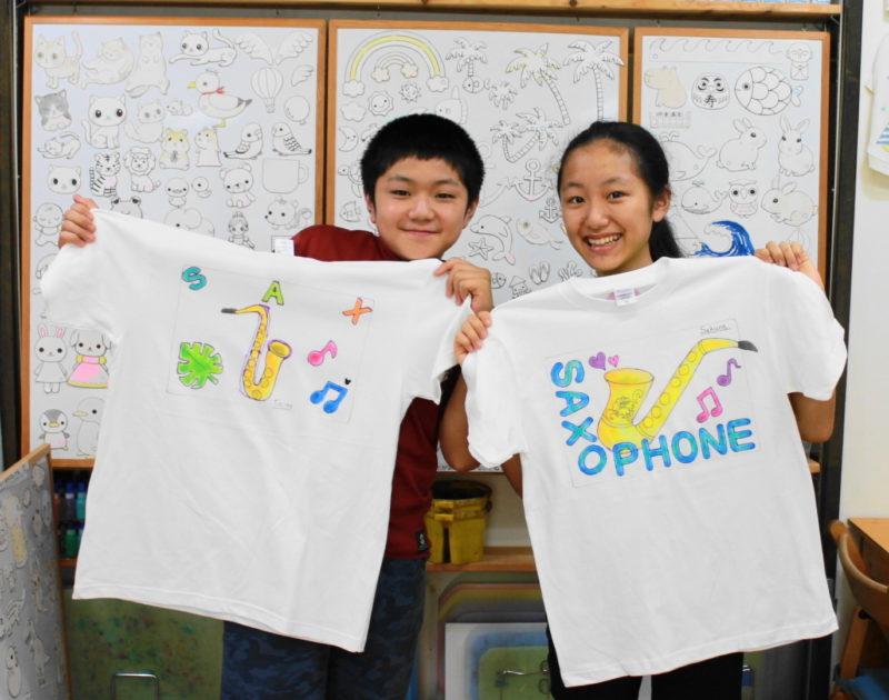 姉弟で作ったサックスの手描きTシャツたち