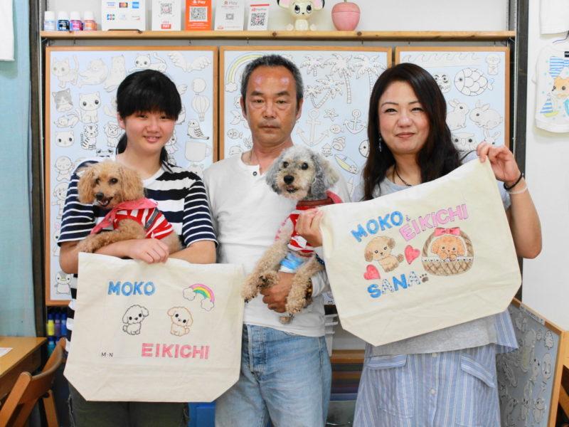 愛犬MOKOちゃん、EIKICHIくんが主役の手描きトートバッグたち