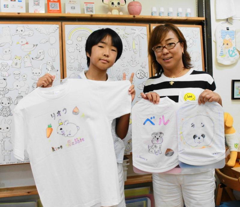 家族でシンプルに作った手描きTシャツと手描きワンコTシャツ