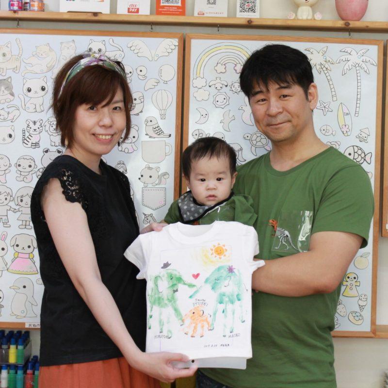 親子の手形で作った象さんのTシャツ