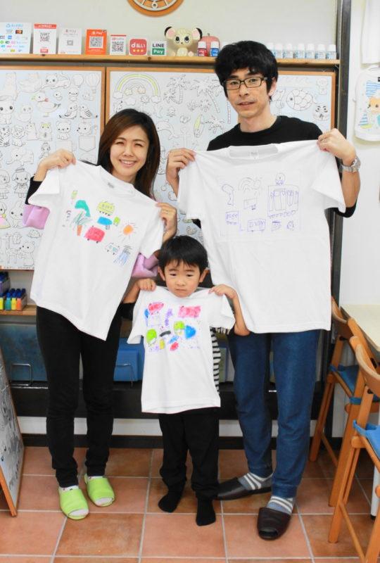 親子で力を合わせて作った手描きTシャツ
