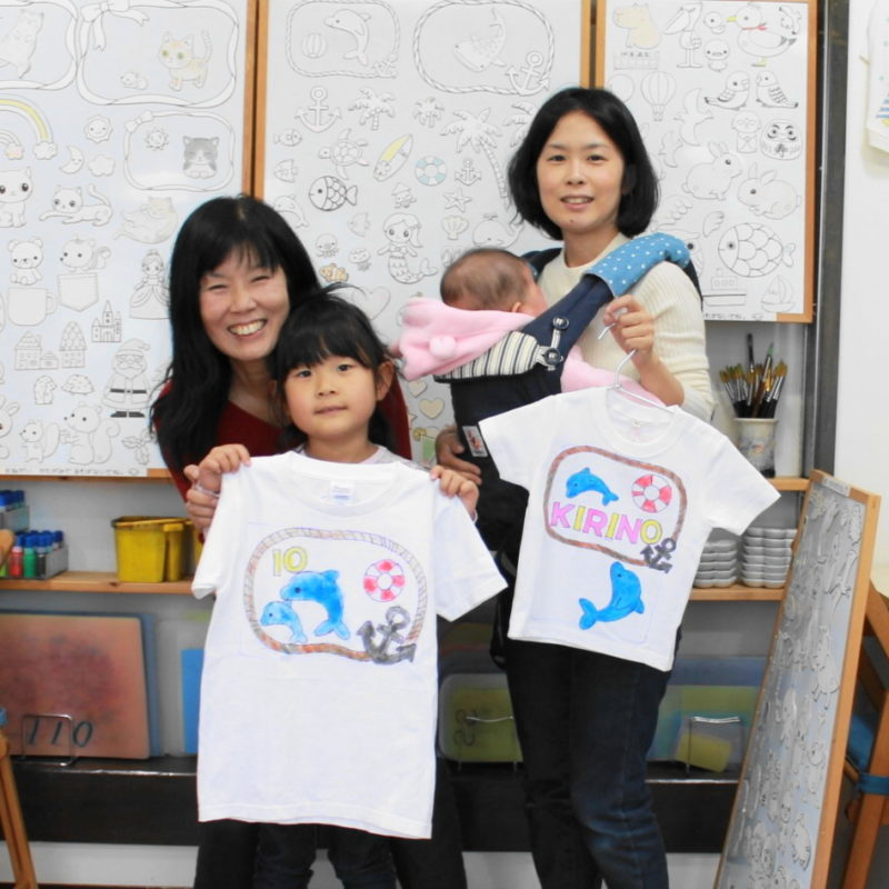 親子で作ったイルカのカワイイ手描きTシャツ