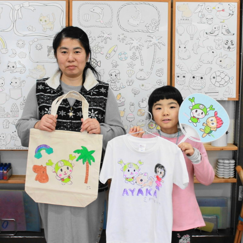 ゆるキャラふっかちゃんの手描きトートバッグと手描きTシャツ