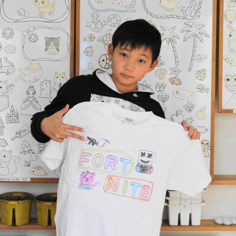 ダンス大好き男の子が作った手描きTシャツ