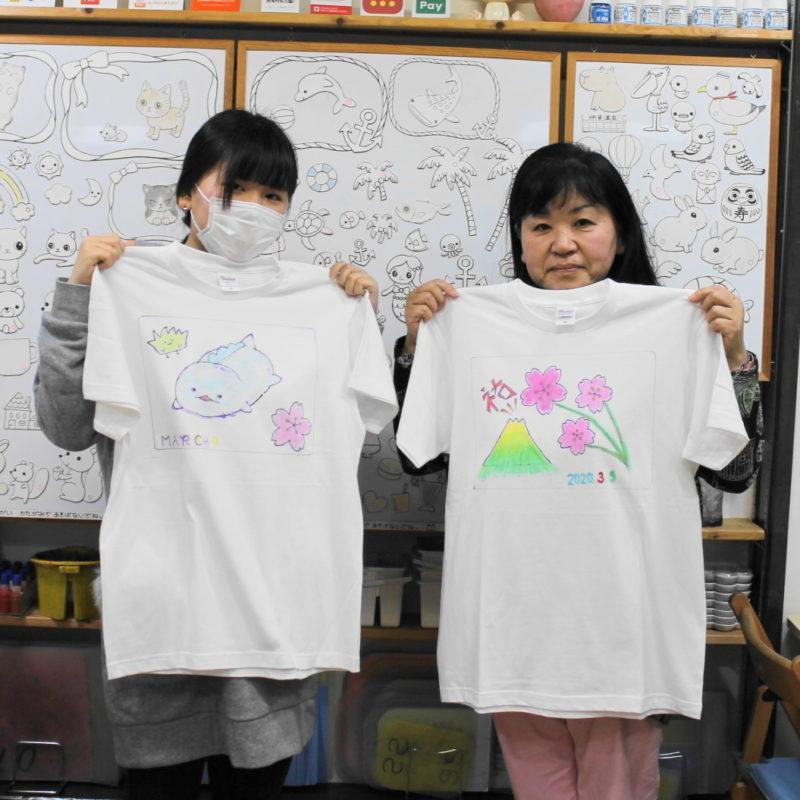 親子で作った春を感じさせる手描きTシャツ