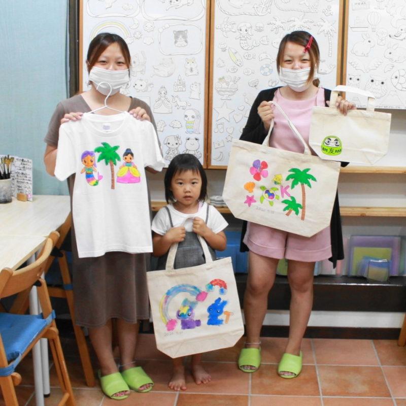 みんなで作った手描きTシャツと手描きTシャツ