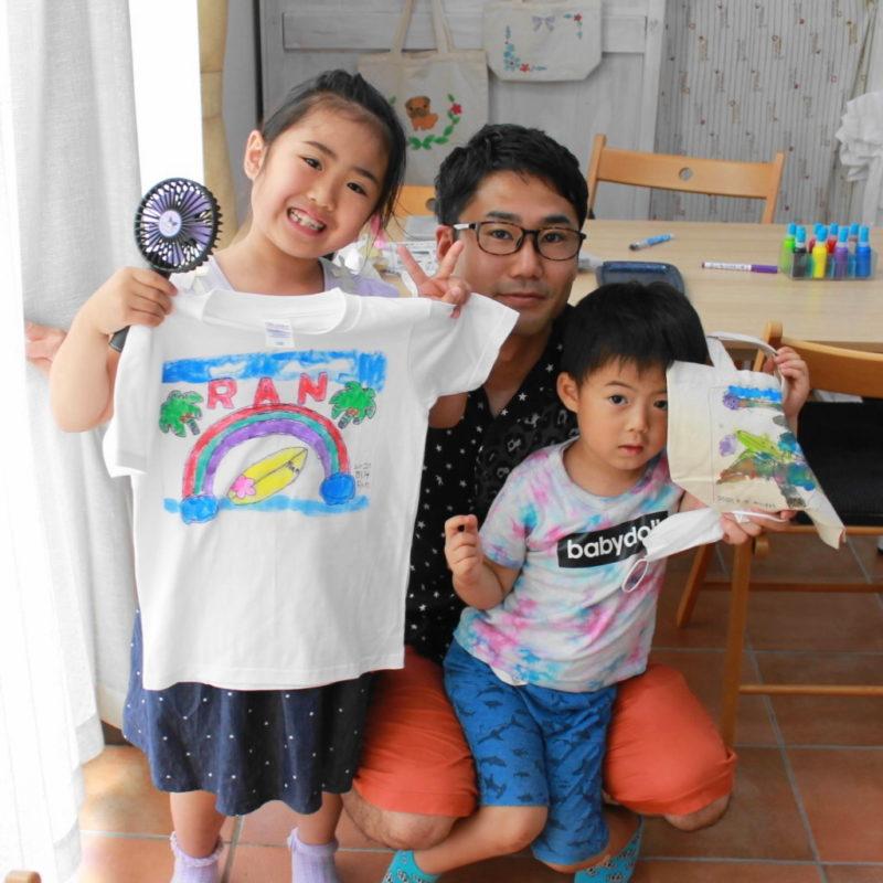 姉弟で作った手描きTシャツと手描きトートバッグ