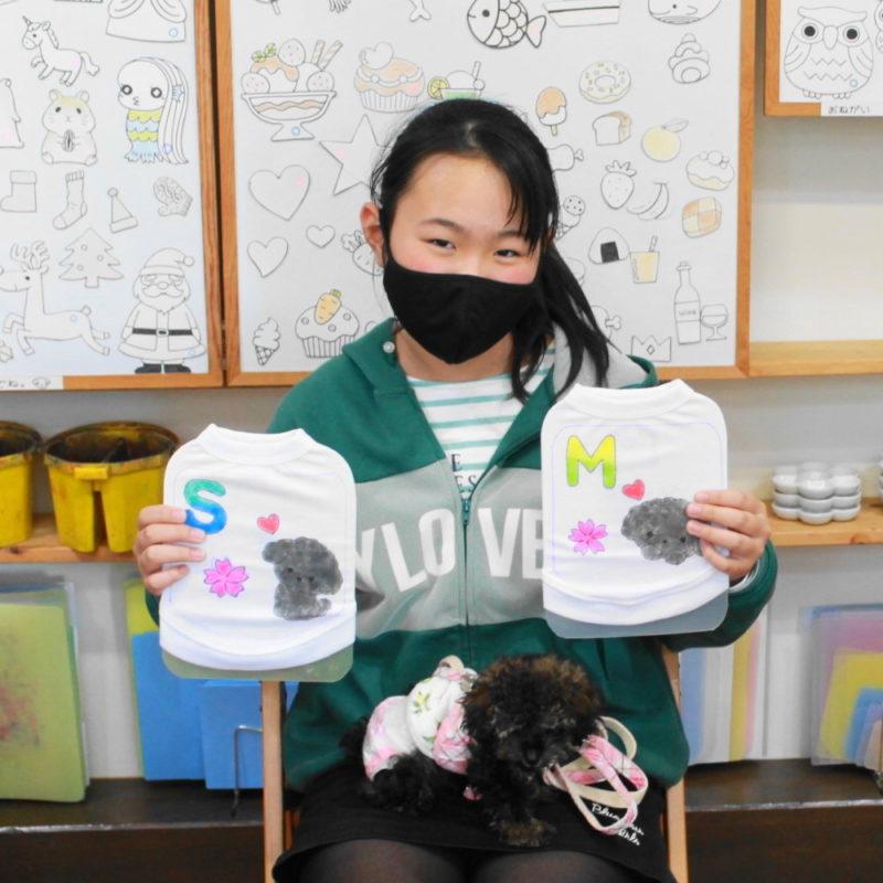 女の子が作ったトイプードルの手描きワンコTシャツ