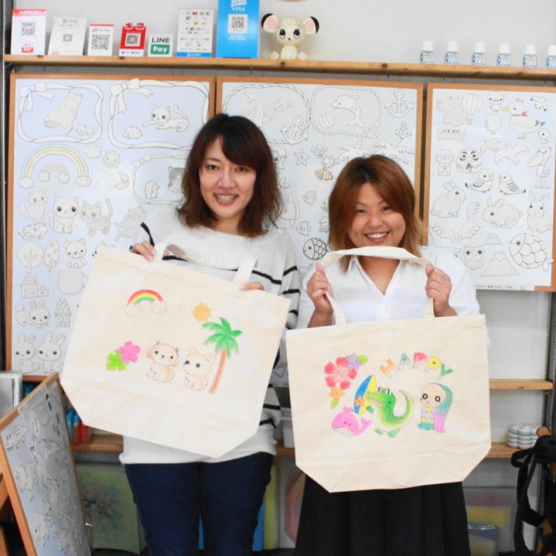 お姉さん二人で作った手描きトートバッグ
