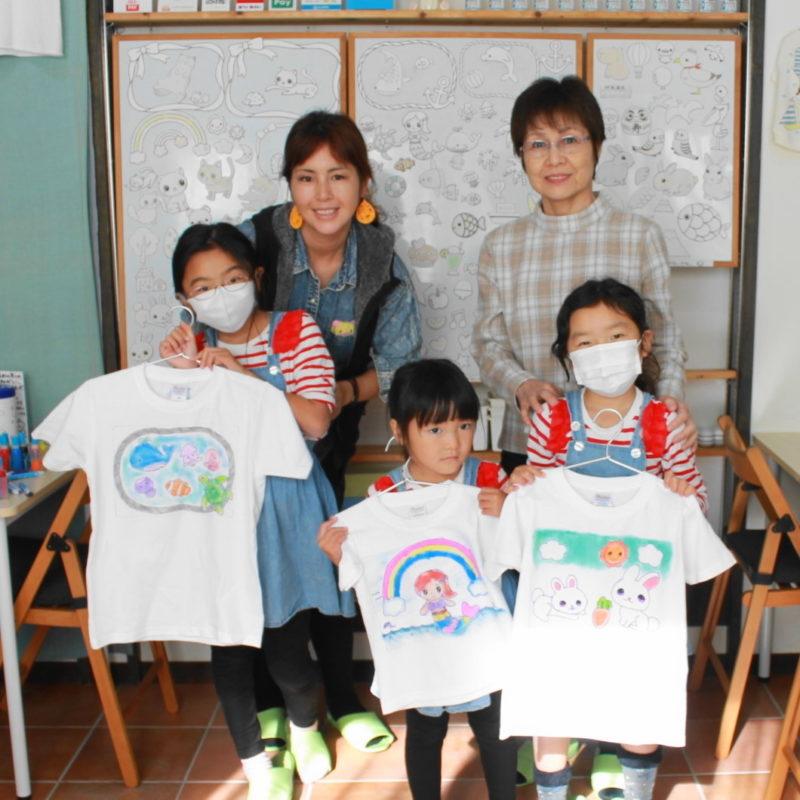 三姉妹で作った手描きTシャツたち