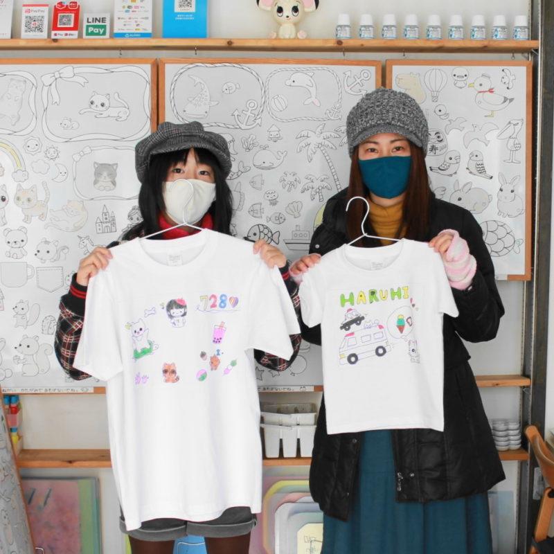 お姉さんのオリジナルイラストで作った手描きTシャツ